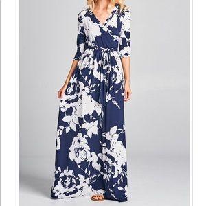 Beautiful Plus Size Maxi Dress Floral Print Navy